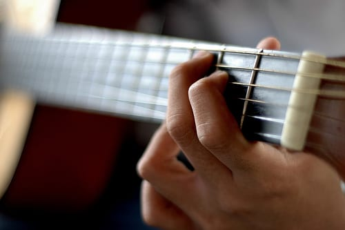 5 Tips for Smooth and Efficient Guitar Chord Transitions