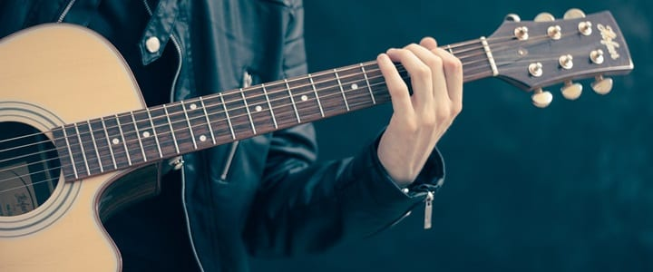 5 Basic Guitar Chords & 20 Easy Guitar Songs for Beginners