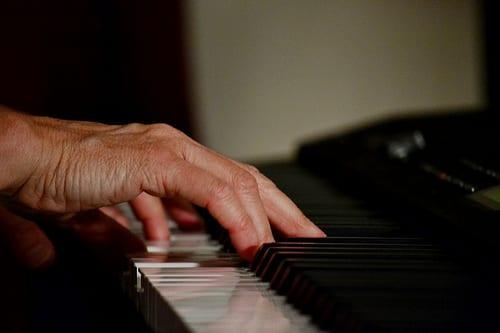 piano hand strain