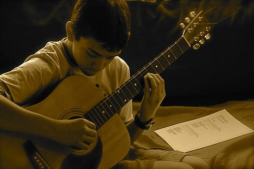 Simple Yet Effective Ways to Make your Child Love Guitar
