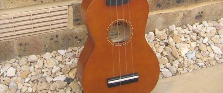tune a ukulele