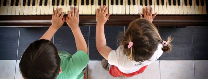 Teaching Kids To Play Piano