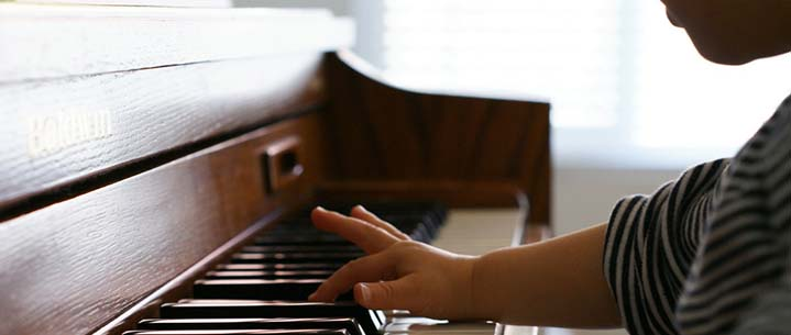 How to Find Free Piano Lessons for Kids - And if They're Worth It