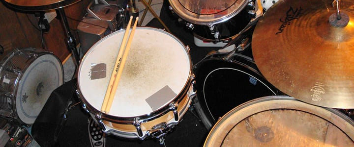 how to learn the drums without a drum kit