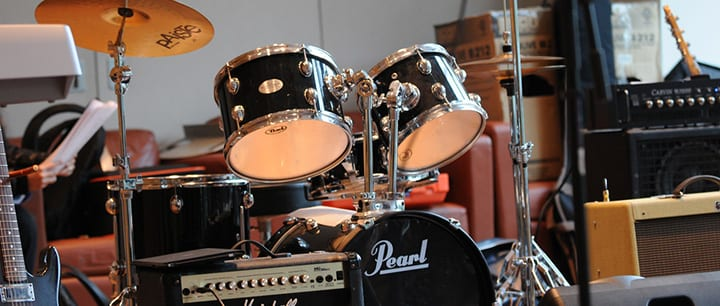 How Much Does a Drum Set Cost? A Beginner's Guide – TakeLessons Blog