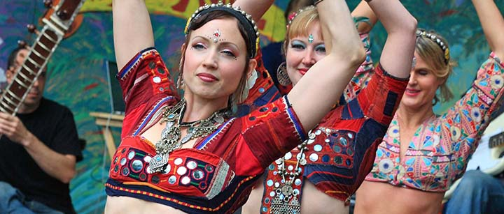 Introduction to Belly Dancing Styles: How to Find the Right Classes For You