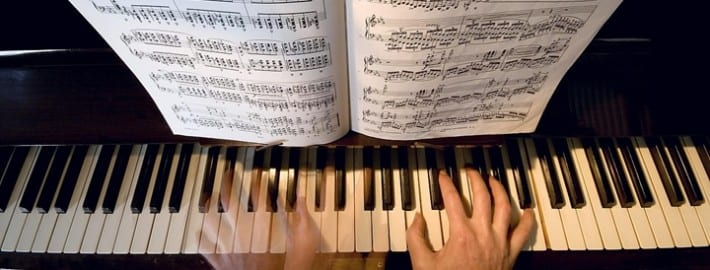 piano hand coordination exercises