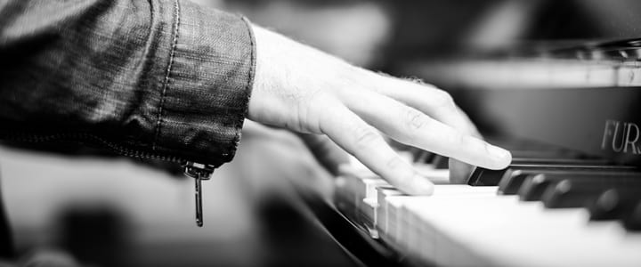 compose a song for piano