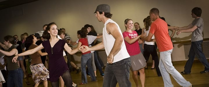 Dancing for Beginners: What Can I Expect at My First Lesson?