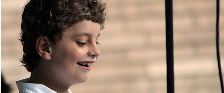 8 Year Old's Piano Recital Goes Viral