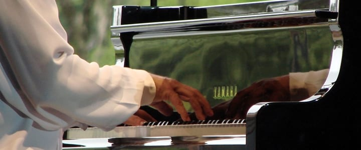 5 Fun Summer Jobs for Pianists