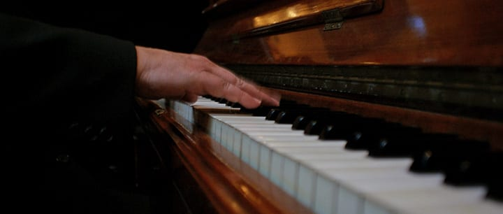 4 Songs That Every Classical Pianist Should Learn