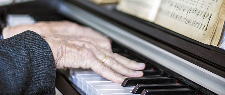 The 6 Best Reasons for Adults to Take Piano Lessons