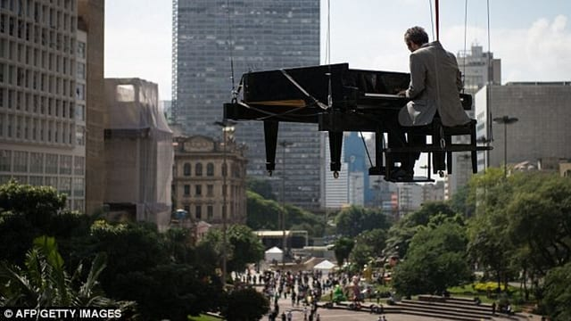 5 Crazy Piano Performances You Have to See to Believe