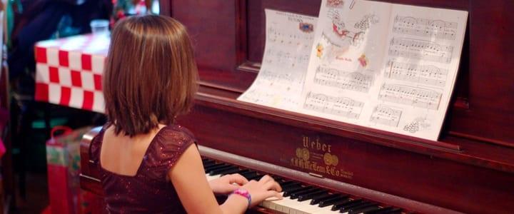 Holiday piano music