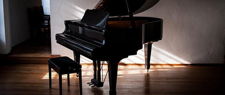 5 Contemporary Songs to Learn How to Play Piano by Ear
