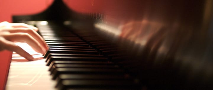 5 Amazingly Fast Piano Pieces (and How to Play Them)