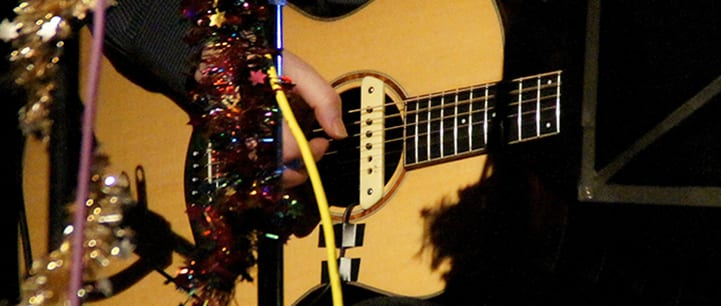 15 Holiday Gift Ideas for Guitar Players