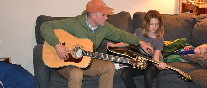 Learning to Play Guitar: How Long Should My Lessons Be?