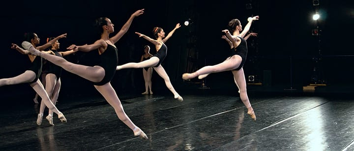 How to Learn to Dance: Are Classes or Private Lessons Better?