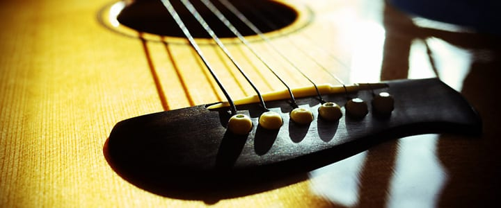 4 Tips for Maximizing the Lifespan of Your Acoustic Guitar