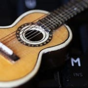 10 Online Guitar Resources for Beginners