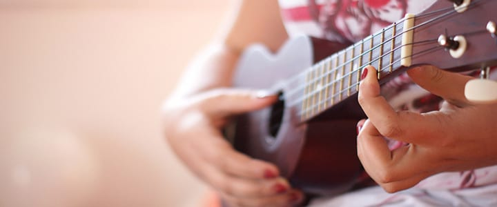 3 Swoon-Worthy Ukulele Songs to Play for Your Sweetheart