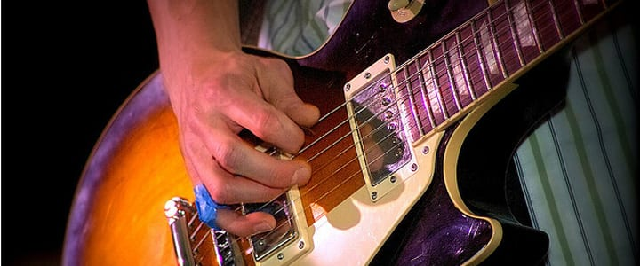 7 Ways to Use Movable Guitar Scales to Write Solos and Riffs