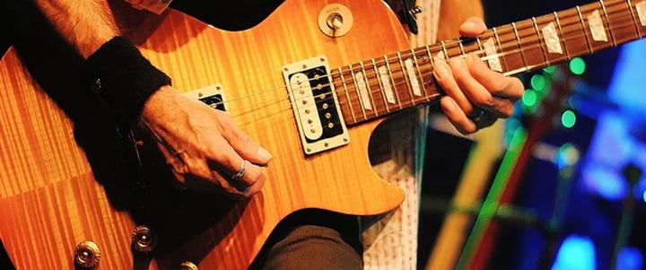 Playing Blues Guitar : blues guitar basics how to play a blues shuffle ~ Russianpoet.info Haus und Dekorationen