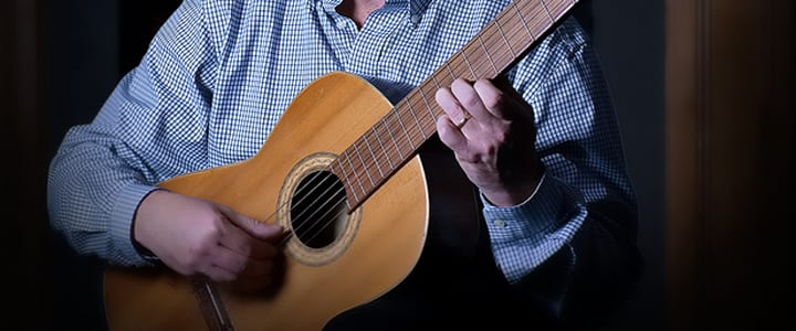 Learning Classical Guitar: Can I Use Tabs or Should I Read Music?