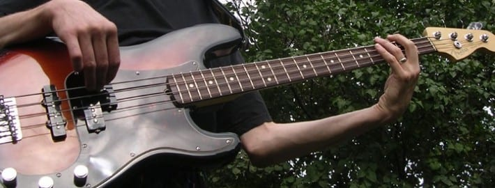learn bass guitar how to play a walking bass line in 3 steps. Black Bedroom Furniture Sets. Home Design Ideas