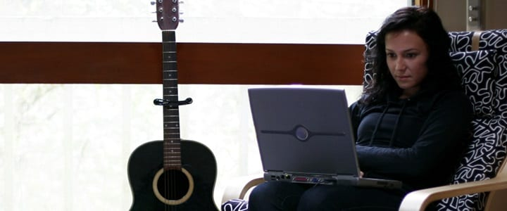 The Pros and Cons of Online Guitar Lessons
