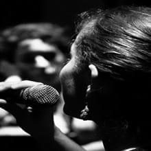 how to avoid vocal strain while singing