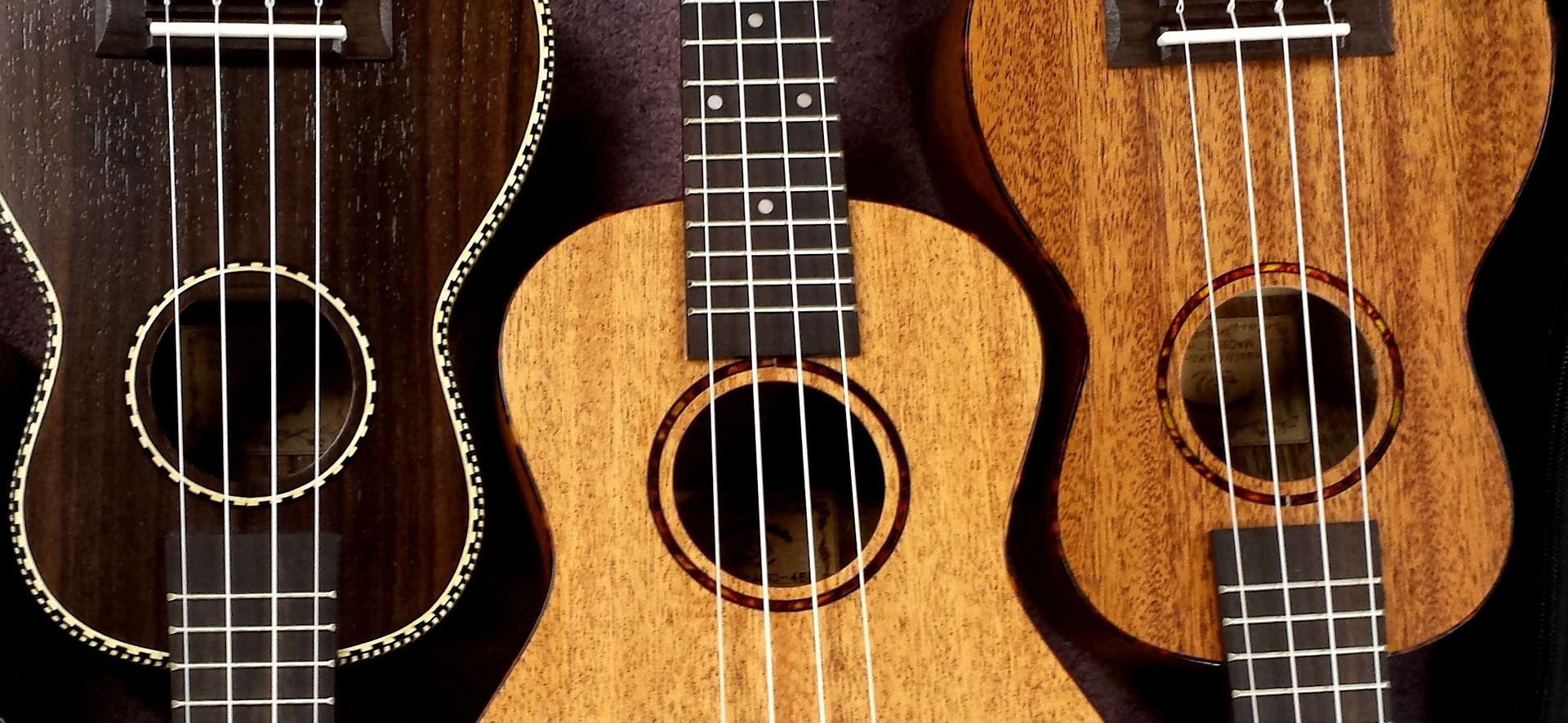 How to play ukulele chords: D major, D minor, and D7