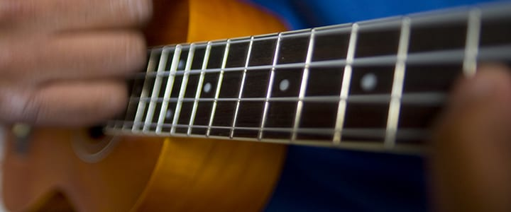 How to Play Ukulele: 4 Fingerpicking Patterns for Ukes