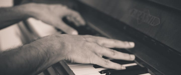 Learn 8 Easy Piano Songs With These YouTube Tutorials