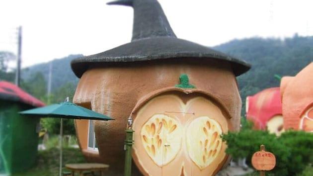 Visit Korea - fantasy hotels