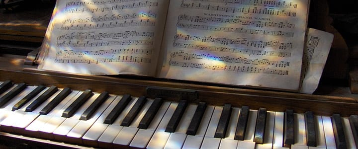 How to Read Sheet Music for Piano: A Visual Tour