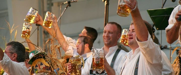 20 Useful German Phrases for Oktoberfest