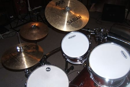 learn how to play toms and cymbals