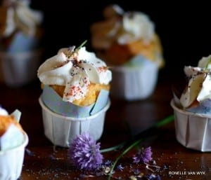 carrot-and-poppyseed-cupcake-001
