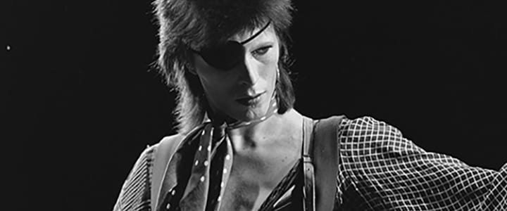 "David Bowie Tribute: ""Space Oddity"" Guitar Tutorial [Video]"