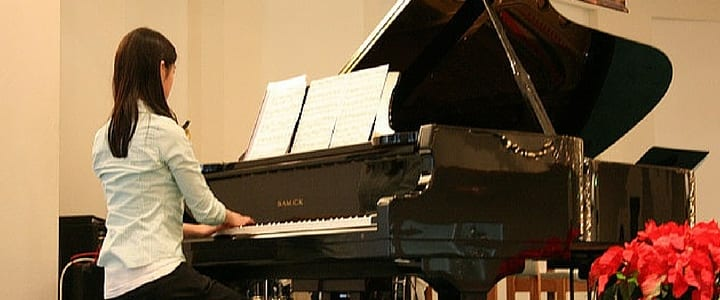 10 Piano Recital Songs for Beginners