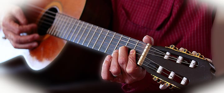 12 Easy Guitar Chords for Beginners