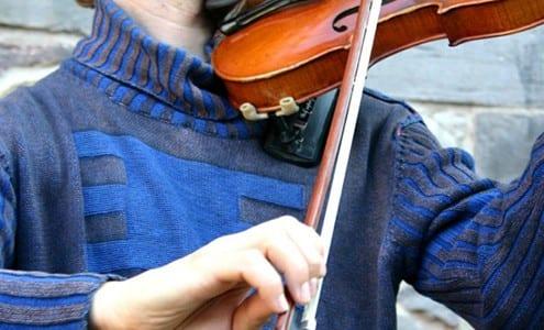 violin bow hold