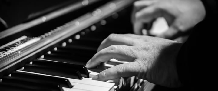 Videos: 4 Super-Effective Left-Hand Piano Exercises