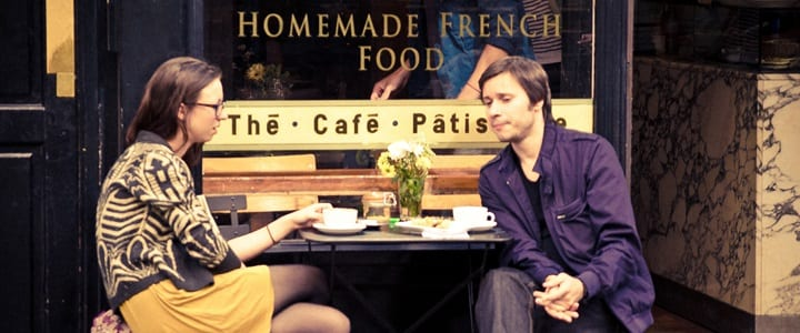 How to Greet Someone in France | 15 French Phrases to Know