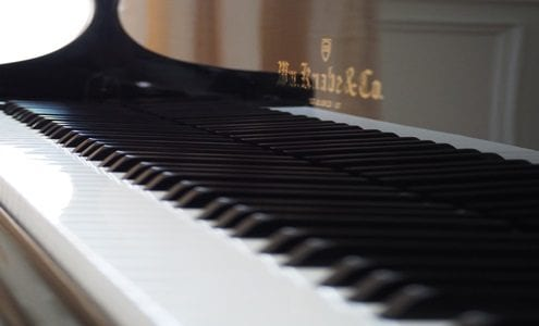 How to Use Apps to Supplement Your Piano Lessons