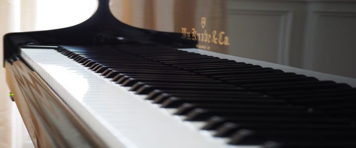 How to Use Apps to Supplement Your Piano Lessons | 7 Ideas
