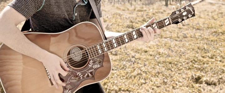 8 Must-Have Acoustic Guitars for Fall 2016 (For All Budgets)